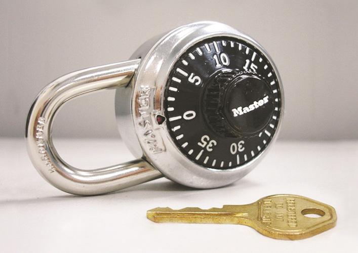 Hình chụp sản phẩm ổ khóa số xoay 1525