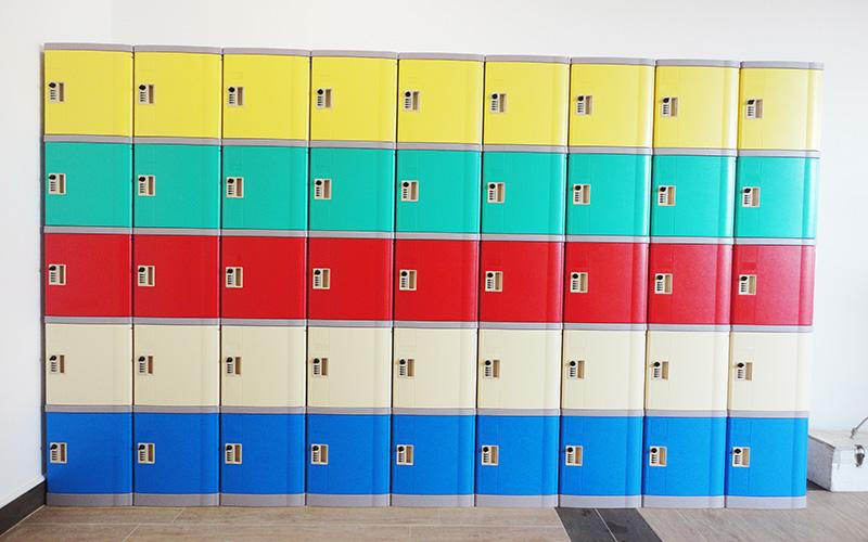 Hinh-chup-tu-locker-abs-dongT-1