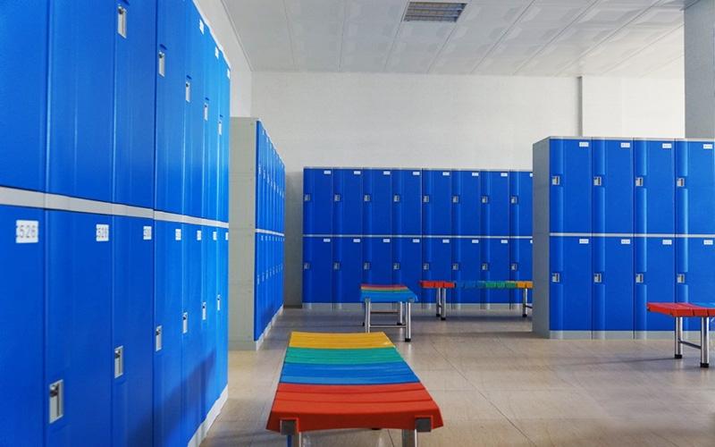 Khu vực đặt tủ locker và băng ghế