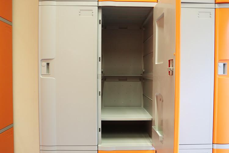 Tủ locker nhiều ngăn tại một nhà máy